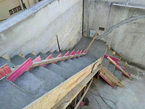Imagem 1 de 5 de Escadas Já