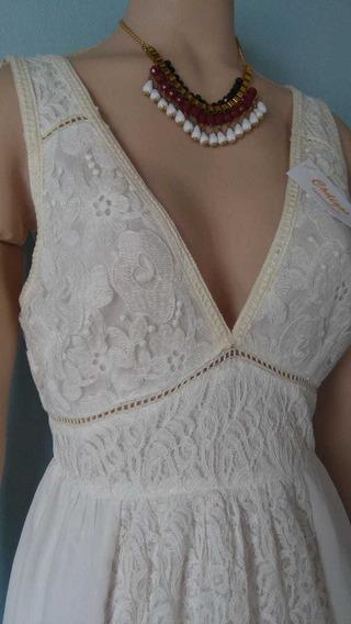 Vestido Crudo Escote V Pollera Acampanada Plato Encaje Civil