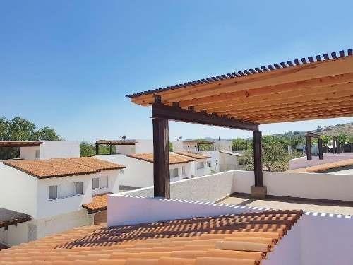 Casa Nueva En Campo De Golf En Balvanera, Querétaro