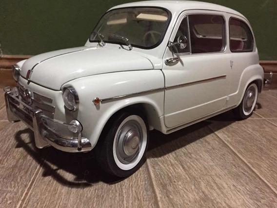 Fiat 600 Escala 1/8 Salvat