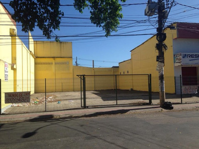 Area Comercial 300m² Localizado Na Rua Principal De Feu Rosa