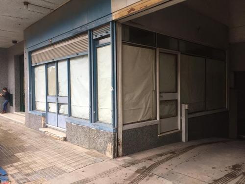 Local Comercial En Paysandú, Pleno Centro Gran Potencial