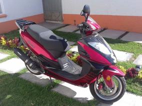 Italika X150 Roja.
