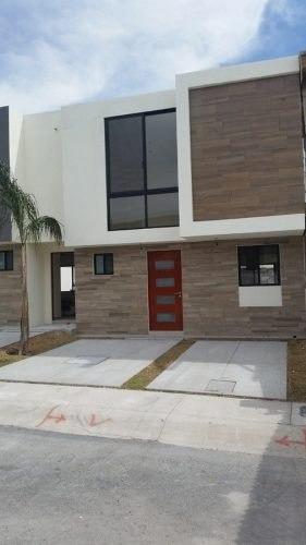 Casa En Renta En El Refugio Privada Gardeno