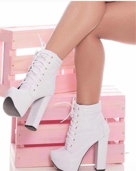 Bota Ankle Boot Salto Grosso Branca