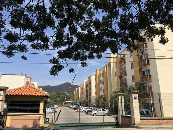 Venta De Apartamento En Conjunto Res. Valles Del Nogal