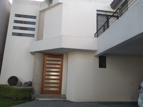 Se Renta Casa Grande En Fraccionamiento Zona Zavaleta