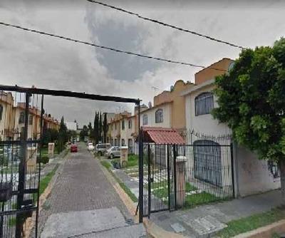 Casa En Venta. Oportunidad. Col. San Buenaventura. Cod. P134