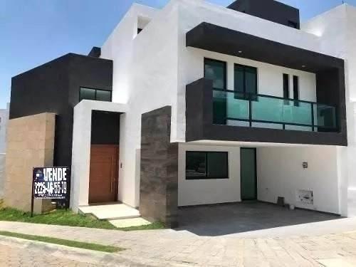 Casa Venta 4 Recamaras Con Baño Estudio Roof Garden Parque Santiago