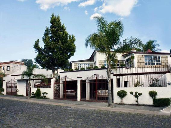 Se Vende Residencia En Villas Del Mesón Frente Al Campo De Golf - T.1,050 M2