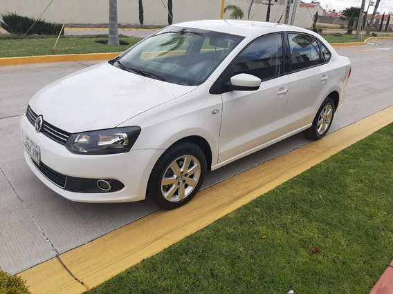 Volkswagen Vento 1.6 Highline At 2014