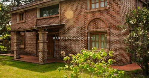 Casa En Venta Y Alquiler De 5 Dormitorios En Punta Del Este - Ref: 3816