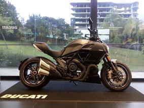 Ducati Diavel Carbon Nueva