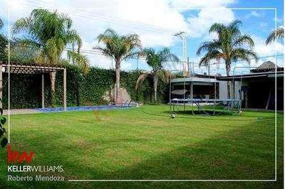 Casa En Venta, Club De Golf, Alquerias De Pozos, Alberca, Amplio Jardin, Seguridad, Acceso Controlado, Acabados De Lujo.