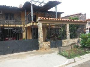 Casa Venta San Bernardo San Joaquin Carabobo 19-11646 Yala