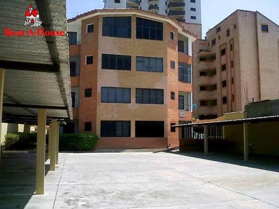 Disponible Apartamento En Venta Tucacas 19-13780
