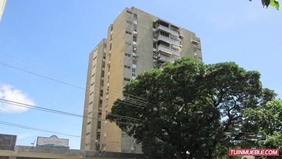 Venta De Apartamento De108 En Cagua.gbf19-10012
