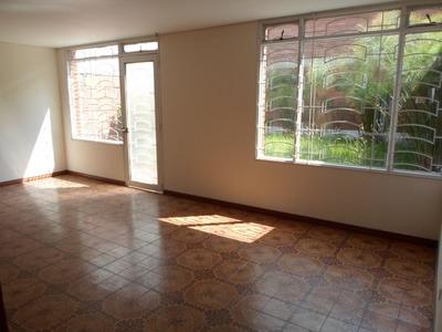 Casas En Arriendo La Esmeralda 90-60081