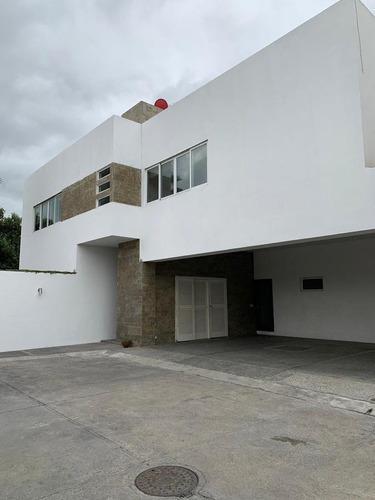 Casa En Venta En Jeronimo Siller, Valle, San Pedro G.g.