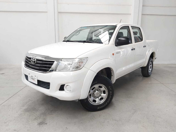 Toyota Hilux Doble Cabina Base Tm