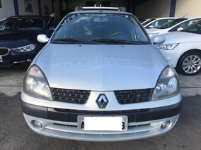 Renault Clio Sedan Privilege 1.0 16v 2004