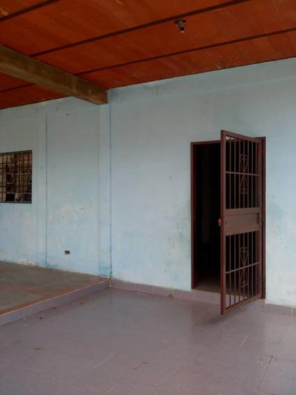 Casa Con Terreno En Venta Clarines Estado Azoategui