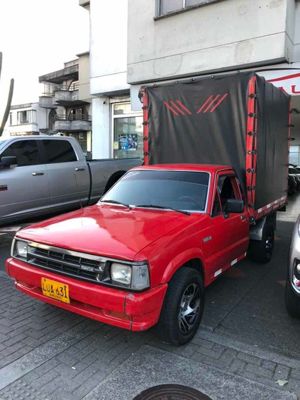 Mazda B2200 Estacas