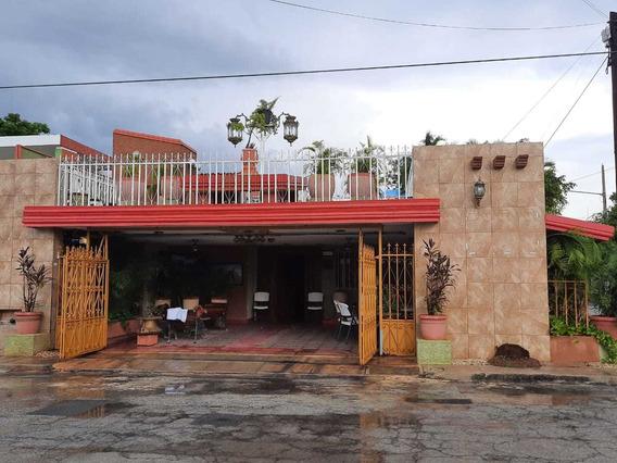 Casa En Venta En La Colonia San Miguel, Mérida, Yucatán, 5 Recámaras