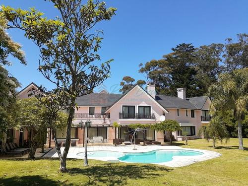 Casa En Golf, 6 Dormitorios *- Ref: 6099