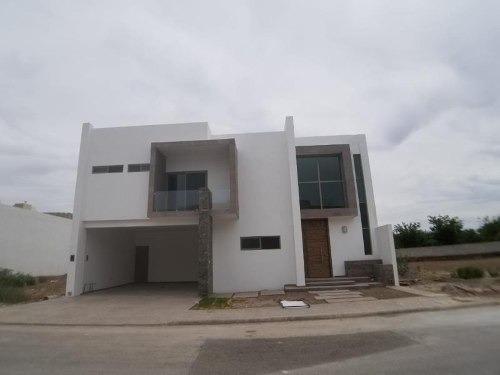 Casa En Venta En Las Trojes, Torreón