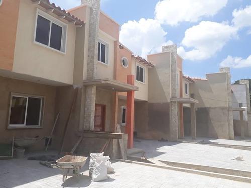 04143446867   Vende Casa  Zona  Norte  De Maracay