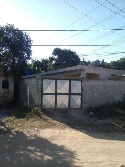 Excel. Casa Com Sala Ampla, Cozinha Tipo Americana, 2q / 2b.