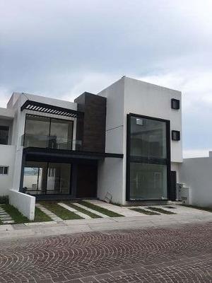 Vendo Casa Con Diseño Moderno En Cumbres Del Lago Juriquilla