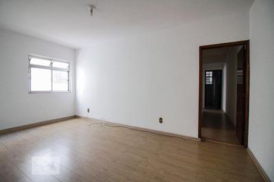 Apartamento No 1º Andar Com 2 Dormitórios E 1 Garagem - Id: 892956729 - 256729