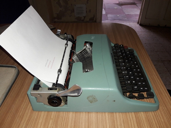 Maquina De Escribir Oliveti Lettera 32