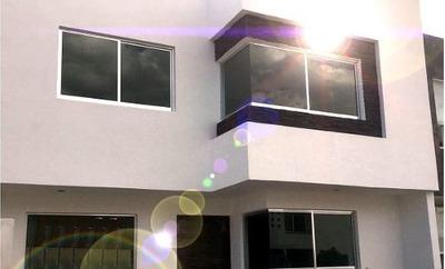 Venta De Casa En San Jerónimo Corregidora De 3 Recámaras 3 Baños Completos
