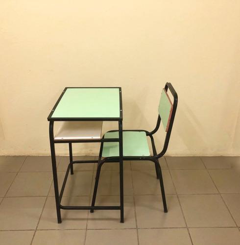Imagem 1 de 4 de Carteira E Cadeira Escolar Conjunto Lousa Multi Lamin. Verde