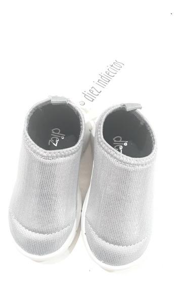 Zapatillas Panchas Elastizadas Diez Indiecitos Nena Plateada
