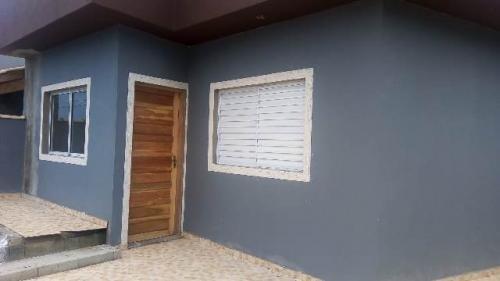 Casa Com 02 Dormitórios, Lado Praia Em Itanhaém-sp 7702-pc