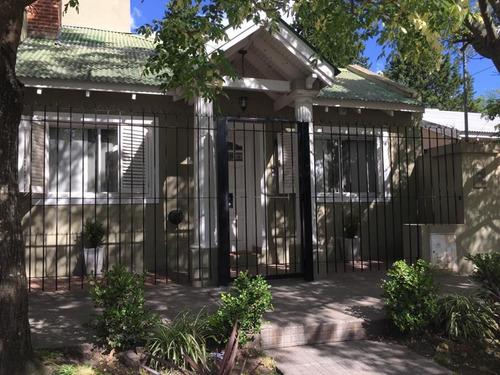 Casa 3 Dormitorios Y Pileta Venta En City Bell