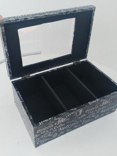 Caja De Te Mediana Premium Con Vidrio Y Divisiones.
