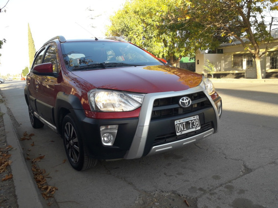 Toyota Etios Cross 1.5 Modelo 2015