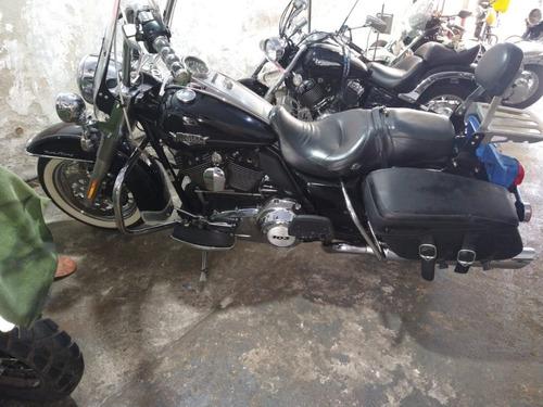 Imagem 1 de 9 de Harley Davidson Road King Classic