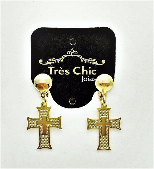 Brincos Cruz Texturizada Banho De Ouro 18k 1644