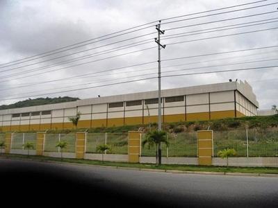 Rentahouse Lara Vende Galpon En Zona Industrial
