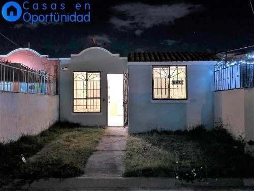 Casa En Venta En Frac. Villas De La Hacienda, Tlajomulco