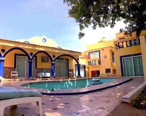 Renta De Hotel En La Playa De Chixculub Yuc. 14 Habitaciones