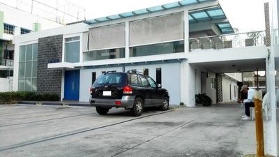 Local Comercial Y De Oficina En Evaristo Morales 26 Parqueos