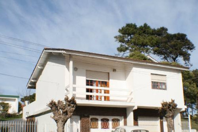 Casa Gesell Centro C/garage 500m Mar A/c Ropa Blanca 6p