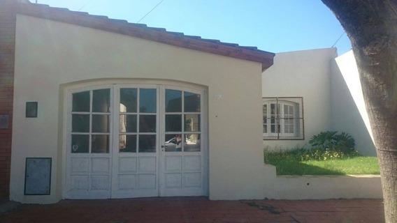 Casa 2 Dorm, Garage, Pileta Y Dep. En Zona De Escuelas